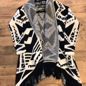 Forever 21 Drape front thick Aztec cardigan